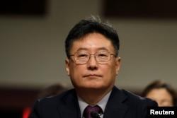 미 국가핵안보국 방위핵확산 담당 부국장 지명자인 브렌트 박 오크리지 국립연구소 교수가 1일 상원 군사위 인준청문회에 참석했다.