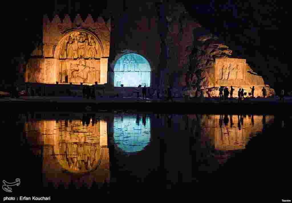 نمایی از طاق بستان در استان کرمانشاه عکس: عرفان کوچاری