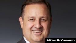 Walter Shaub, mantan Direktur Office of Government Ethics, atau Kantor yang Mengurus Masalah Etika Dalam Pemerintahan.