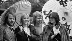 Top Ten Música na América: Os ABBA estão de volta!