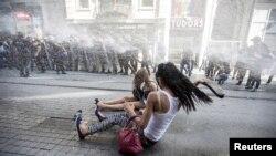 گزشتہ سال بھی پریڈ پر پابندی عائد کی گئی تھی اور پولیس نے آنسو گیس اور پانی کی تیز دھار سے مظاہرین کو منتشر کیا تھا۔ فائل فوٹو