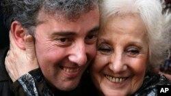 Carlotto había pasado 36 años buscando a su nieto, que nació en cautiverio en junio de 1978.