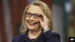 Ngoại trưởng Hoa Kỳ Hillary Clinton nói chuyện tại cuộc phỏng vấn tại Newseum trong thủ đô Washington 29/1/13