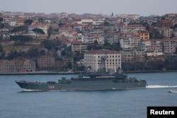 """Російський десантний корабель """"Корольов"""", 17 квітня 2021, Reuters"""