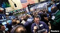 纽约股票交易所里
