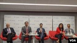 El embajador Carlos Trujillo formó parte del panel de especialistas que analizaron la situación de Bolivia en Washington DC.