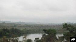 Lago Ambuíla, Uíge