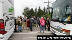 Мігранти прибувають до Австрії