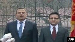 Ministri shqiptar i mbrojtjes viziton Shkupin
