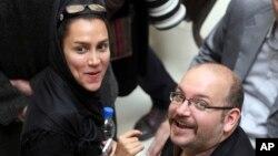 Phóng viên Yeganeh Salehi và chồng Jason Rezaian.