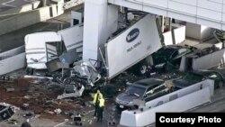 Toll Plaza ယာဥ္ျဖတ္သန္းခ အခြန္ေကာက္ခံတဲ့ဂိတ္ ယာဥ္တုိက္မႈ (ABC7 News, San Francisco )