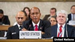 رابرت وود نماینده آمریکا در کنفرانس خلع سلاح