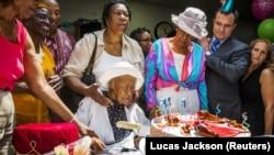 Bà Susannah Mushat Jones trong ngày sinh nhật 116 tuổi hôm 7/7/2015.