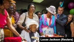 Susannah Muscat Jones saat merayakan ulang tahunnya yang ke 116, 7 Juli 2015 (Foto: dok).