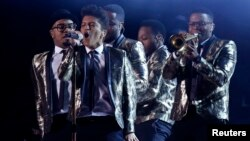 Bruno Mars performs during the halftime show of the NFL Super Bowl XLVIII football game between the Denver Broncos and the Seattle Seahawks in East Rutherford, New Jersey, Feb. 2, 2014.