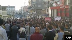 Prizor sa jučerašnjih antivladinih demonstracija u sirijskom lučkom gradu Baniasu