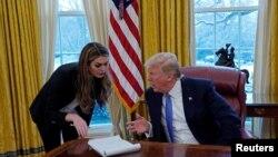 အေမရိကန္သမၼတ Donald Trump ရဲ့ အနီးကပ္ ယံုၾကည္စိတ္ခ်ရဆံုးအရာရွိျဖစ္တဲ့ အိမ္ျဖဴေတာ္ ဆက္သြယ္ေရး ညြန္ၾကားေရးမွဴး Hope Hicks
