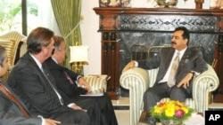 اقوام متحدہ کے ادارے'یو این ایچ سی آر' کے سربراہ انٹونیو گوٹیرز نے وزیر اعظم گیلانی سے ملاقات کی