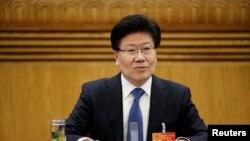 中共新疆自治区党委书记张春贤在两会期间的新疆代表团会议上(2015年3月10日)