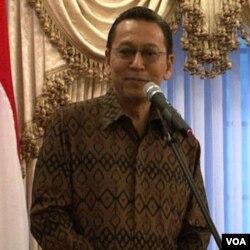 Wapres Boediono dalam sebuah acara di Washington DC. Kinerja pemerintahannya bersama Presiden SBY dikritik sejumlah ekonom.