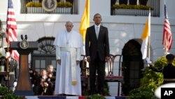 23일 백악관에서 프란치스코 로마 카톨릭 교황(왼쪽)을 환영하는 행사가 열렸다.