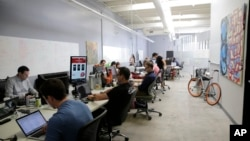Suasana di kantor inkubator teknologi MuckerLab di Santa Monica, California. (Foto: Dok)