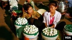 Los huevos en China tienen una milenaria tradición y son utilizados tanto en platos de comida como para diversas muestras de artesanía local.