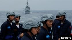 資料照片:台灣基隆號導彈驅逐艦和海軍艦艇在花蓮附近參加軍事演習。 (2019年5月22日)