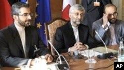 جوہری معاملات پر ایران کے اعلیٰ مذاکرات کار سعید جلیلی اور ان کے معاونین