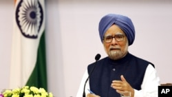 Indian Prime Minster Manmohan Singh addresses a press conference, in New Delhi, India, Friday, Jan. 3, 2014.