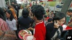印尼餐饮中心。亚洲粮价上涨,牵动亿万人。
