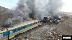 伊朗火車相撞 至少31人死亡.