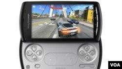 """El teléfono inteligente, el """"Xperia Play"""" estará a la venta en EE.UU. en la primavera de 2011."""