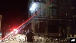 Một tòa nhà bị hư hại sau trận động đất ở Napa, California, sáng ngày 24/8/2014.