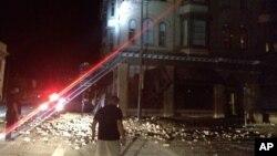 2014年8月24日,星期日凌晨,美国加州旧金山区发生地震。图为加州纳帕县震后的街景。