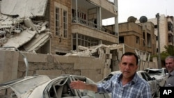 叙利亚北部城市伊德利卜4月30日发生爆炸,图为爆炸现场
