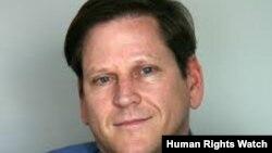 HRW ေျပာခြင့္ရပုဂိၢဳလ္ Phil Robertson။