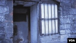 Encarcelaban a personas en prisiones ilegales para impedirles quejarse ante el gobierno central.