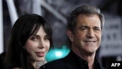 Оксана Григорьева и Мел Гибсон. Лос-Анджелес. 26 января 2010 года