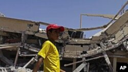 나토 군 공습 후 리비아 즐리탄 시
