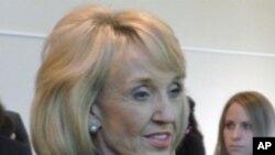 亚利桑那州女州长简·布鲁尔