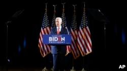 民主党总统参选人拜登在德拉哇州谈新冠病毒疫情。(2020年3月12日)