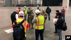 Ushtria duke përgatitur një spital në shtetin Miçigan