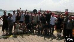 ტანკერ OLIB G-ის ქართული ეკიპაჟი 489 დღიანი ტყვეობიდან განთავისუფლების შემდეგ, 12.01.2012