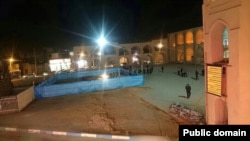 حفر قبر شهدا در میدان تاریخی امیرچخماق یزد