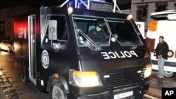 Plusieurs policiers ont été blessés en tentant d'interpeller un suspect en rapport avec une attaque contre un commerce juif