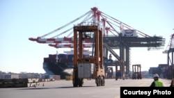 Hải cảng ở New York và New Jersey bắt đầu hoạt động trở lại