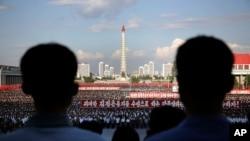 지난달 25일 북한 평양 김일성 광장에서 한국전 발발 66주년을 맞아 대규모 반미 군중대회가 열렸다. (자료사진)