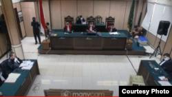 Sidang pembacaan tuntutan 2 penyerang Novel Baswedan di Pengadilan Negeri Jakarta Utara, Kamis (11/6/20). (Foto: Courtesy)