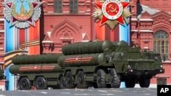 俄羅斯2017年5月7號勝利日在紅場展出S-400防空導彈